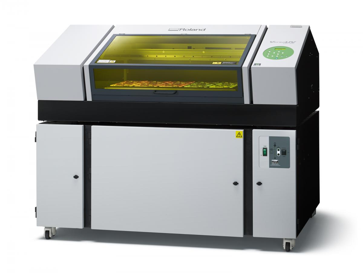 <strong>ROLAND VERSA UV LEF 300<br /></strong>Printer of rigid materials with UVI inks<strong><br /></strong>